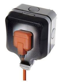 Stingray - IP66 Single SA socket - Black & Orange 16amp
