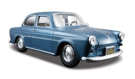 Maisto 1/24 Volkswagen 1600 Notchback - Blue