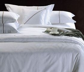 Chic Linen - Luxurious Egyptian Cotton Classic White Duvet Cover Set - Pearl - (Size: Three Quarter)
