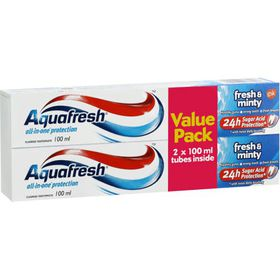 AquaFresh Fresh and Minty Toothpaste 2X100ml