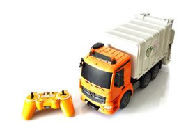 Double Eagle 1/20 R/C Mercedes-Benz Antos Garbage Truck