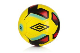 Umbro Neo Training Ball (Size: 5)
