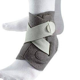 Mueller Adjust-To-Fit Ankle Brace